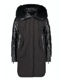Czarna kurtka z futrzanym...